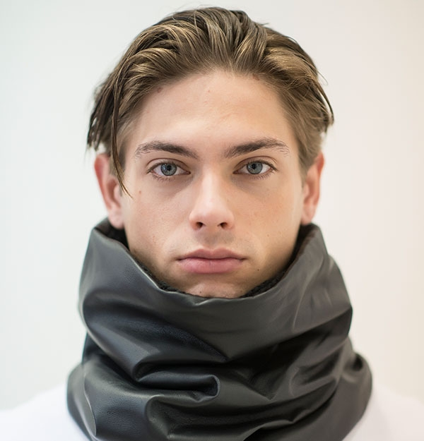 SNOOD KNITTED WITH BLACK ECO SHEEPSKIN LEATHER