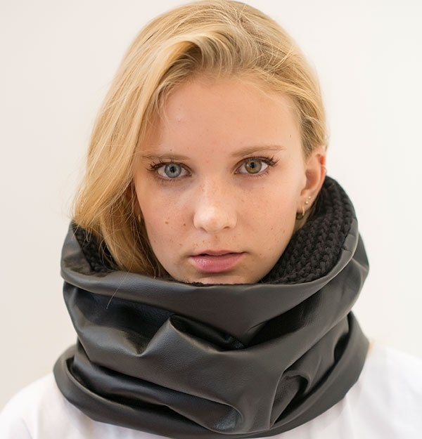 KNITTED SNOOD WITH SHEEPSKIN ECO LEATHER