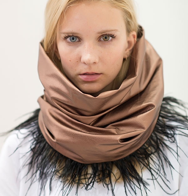 KNITTED SNOOD ECO WITH BRONZE ECO LEATHER & FEATHERS