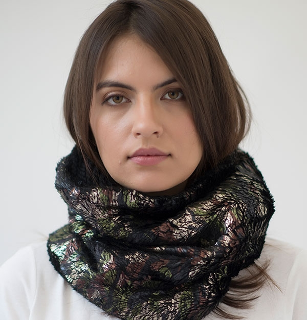 KNITTED SNOOD WITH BRONZE GOLD ECO FUR