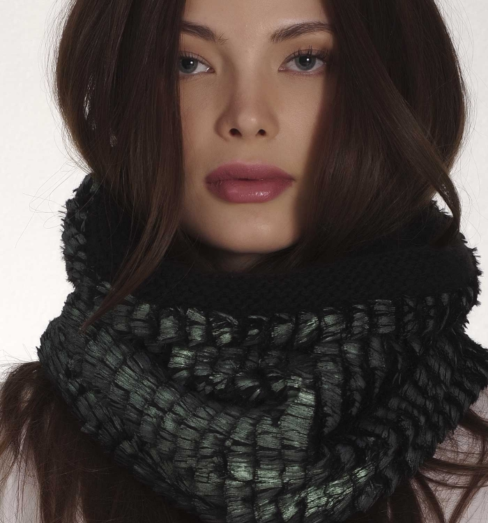 KNITTED SNOOD / EMERALD ECO FUR