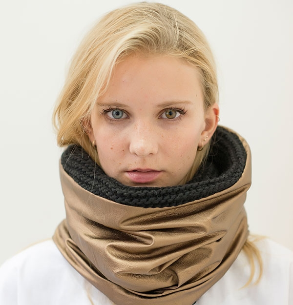 KNITTED SNOOD WITH GOLD SHEEPSKIN ECO LEATHER