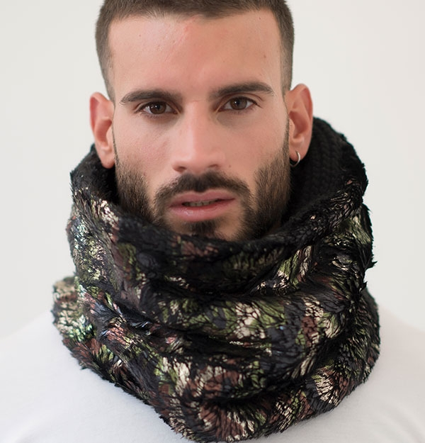 KNITTED SNOOD WITH BRONZE ECO FUR