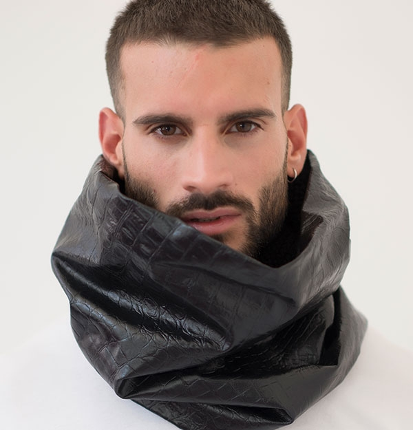 KNITTED LEATHER CROCO SNOOD