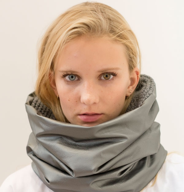 KNITTED SNOOD WITH SILVER SHEEPSKIN ECO LEATHER