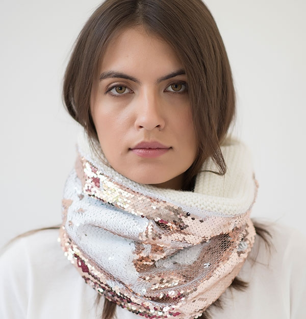 KNITTED METAL WHITE SNOOD