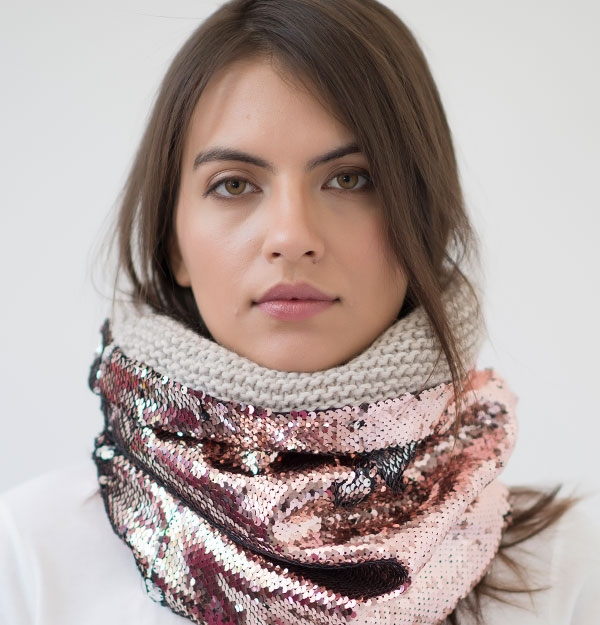 KNITTED SNOOD ROSE GOLD SEQUIN