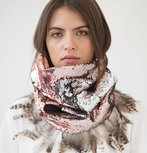 KNITTED SNOOD ROSE SEQUIN & FEATHERS