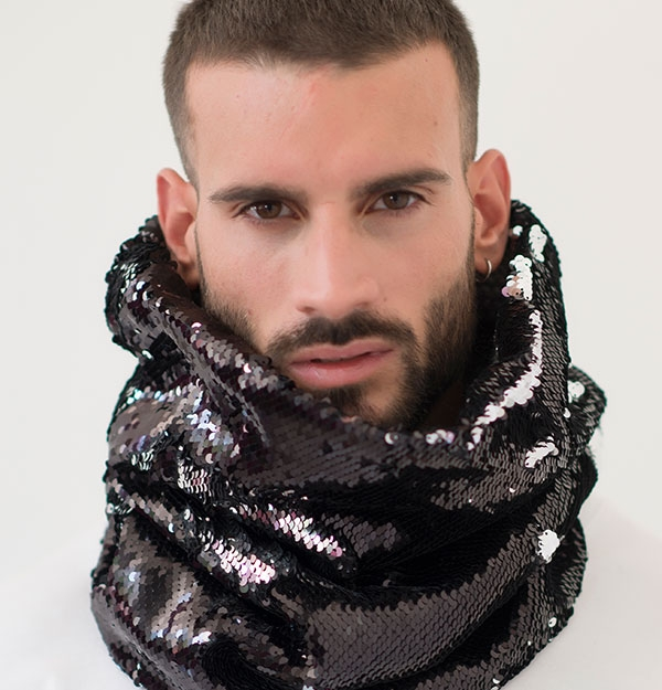 KNITTED SILVER SNOOD