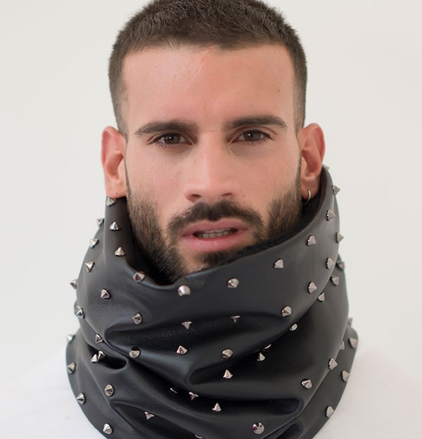 KNITTED SNOOD WITH STUDDED LEATHER