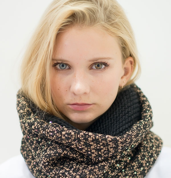 KNITTED BOHO SNOOD WITH SEQUIN